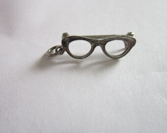 Vintage Silver tone Eye Glasses Spectacles Charm