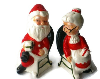 Vintage Christmas Santa and Mrs Claus in Chair Salt & Pepper Shakers Figurine Lefton Napco Ornament Decoration Japan