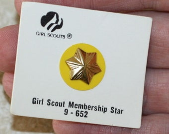 Girl Scout Membership Pin Junior Gold Perfect Attendance 9-652 Star 1990s