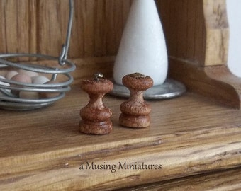 Wooden Salt and Pepper Mill in 1:12 Scale for Dollhouse Miniature Country Kitchen.