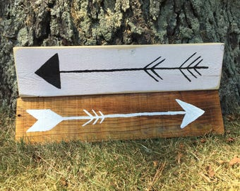 Painted Arrow Plaques