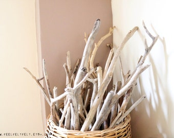 "6 Long Driftwood Branches -- Bulk Driftwood Pieces From 40 cm to 90 cm (15.7"" to 35.4"") -- Natural Drift Wood for DIY Projects and Crafts"
