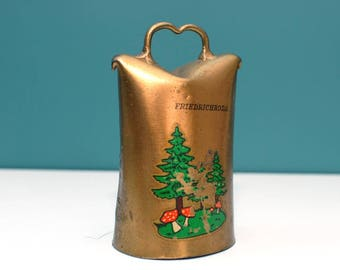 Vintage Cow Bell , Brass Bell , bell Souvenirs , Farmhouse decor , Animal bell , Old bell , Rustic home decor ,  Hammered bell