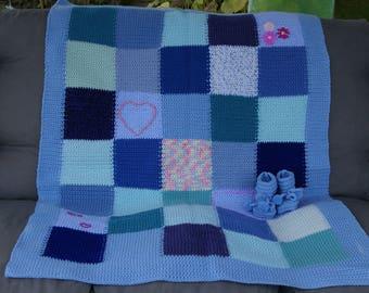 Crochet baby blanket. Multicolor blanket with booties