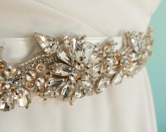 wedding sash belt, jeweled sash belt, flower wedding belt, beaded bridal belt, bridal sash, rhinestone belt, wedding dress, belt for dress