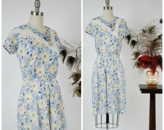 Vintage 1930s Dress - Darling Floral Print Semi-Sheer Cotton Voile Late 30s Day Dress with Lace Insets