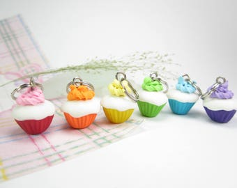 Rainbow Cupcake Stitch Markers, food stitch markers, polymer clay, knitting accessories, food charm, gift for knitters her, cupcake charms