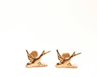 Tiny swallow earrings - bird stud earrings - flying birds - bird earrings - sparrow earrings - sparrow studs - fairytale