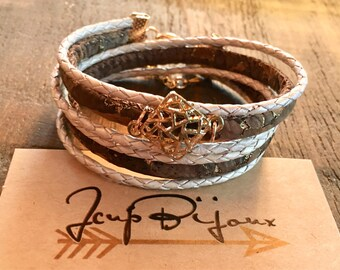 Women boho chic, wrap bracelet, leather and Cork charm gold. Adjustable.