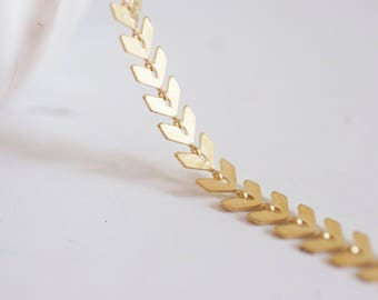 Matte - 50 cm Golden brass Chevron chain