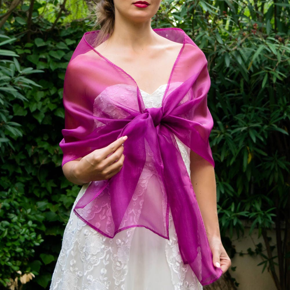 Lujoso Dama De Honor Con Chales Viñeta - Ideas de Vestido para La ...