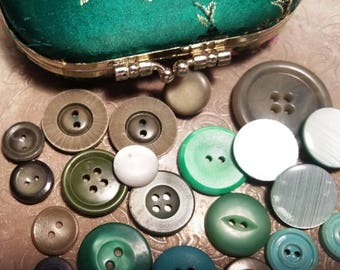 Mixed lot of Green buttons