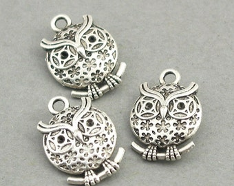 10 Owl Charms, Owl pendant beads, Antique Silver 13X18mm CM0481S