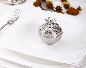 unique wedding favors for guests, pomegranate favor boxes, engagement party favor, rustic wedding decor, bridesmaid gift box, personalized