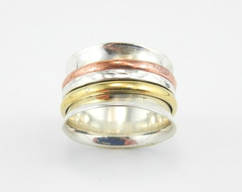 Tri-colour spinner ring