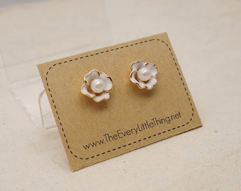 Pearl Flower Earrings 4 Colors Available (non-allergic stainless steel stud)