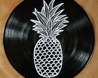 Art on vinyl - Abstract line drawing of a pineapple on a vinyl record