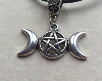 Triple moon necklace,pentagram,pentacle,pendant,wicca,pagan,witchcraft,spiritual jewellery,triple moon,charm necklace,gifts,pagan jewellery,