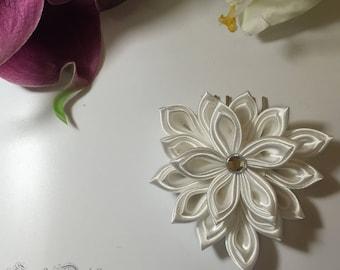 Wedding white satin flowers Hair Combs rhinestones * 3 lace *.