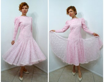 Vintage 1950s dress Pink Lace CARLYE Full skirt Long sleeve Cocktail Party Wedding dress S