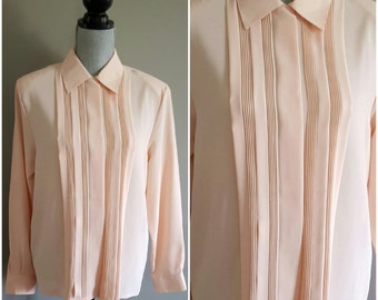 Vintage 1970's tuxedo shirt. 70's womens shirt. 1970's peach shirt. Christie & Jill. loose fit. size 6