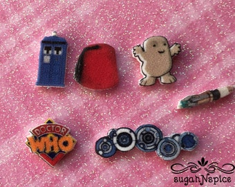 Dr Who Tardis Floating Charm - Dr Who Floating Charm - Dr Who Charm - Dr Who Locket Charm - Tardis Locket Charm -Tardis Memory Charm