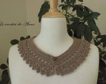Peter Pan collar Brown / taupe, Vintage, pretty fancy points!