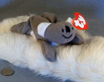 TY Teenie Beanie Babies MEL // Born 1993 // Real Tiny // Grey and White // Adorable // Real Cute // Pocket Size
