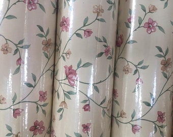 Vintage Ditsy Floral Wallpaper - 6 Rolls Available