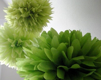 GREENERY tissue paper poms / set of 3 / pantone theme wedding kit decorations chartreuese pastel spring green boy first birthday party decor