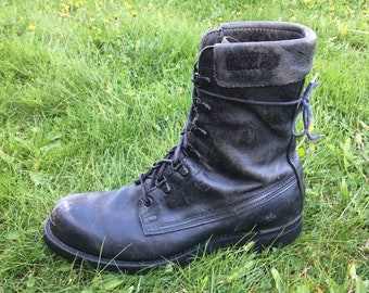 Vintage Combat Boots - Size 8.5 Mens - Cove Shoe Company - Distressed - Black Leather Boots - Lace Up - 90s Grunge - 1996 - Made in USA -