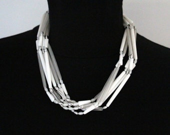 Vintage Lucite Necklace White * Free SHIPPING *