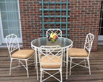 Vintage faux bamboo Brown Jordan Calcutta metal chippendale dinette bistro table chairs lattice chinoiserie regency patio furniture