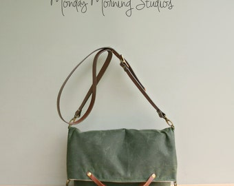 Waxed Canvas Foldover Purse with Custom Leather Strap in Avocado, Green Wax Canvas Convertible Tote, Shoulder Bag with Leather, Tote USA