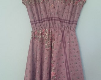 1970s lilac floral summer dress