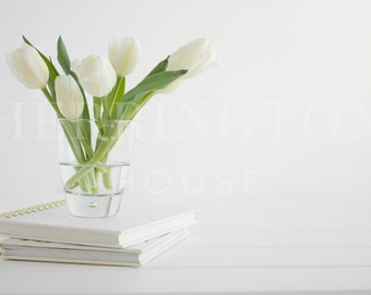 Pure white stock photo | Lifestyle stock photo - Photo for Instagram - Simple stock photo - Flower stock photo - Styled stock photo
