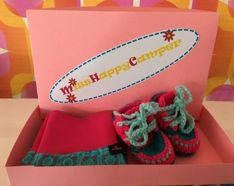 Maternity gift, baby shower gift, maternity gift, size 56, newborn pants and crochet sneakers