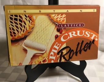 Vintage New in Box Instant Lattice Pie Crust Roller. Makes instant Lattice for your pie crust.  Pie crust Instant Lattice Roller