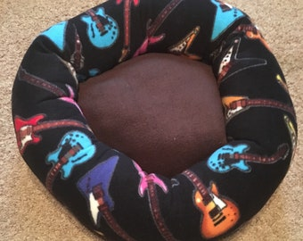 Lots of guitars fleece pet bed