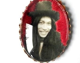 Brooch embroidered Damo Suzuki CAN