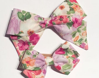 Light Floral Bow//Hand-tied Hair Bows//Baby Fashion