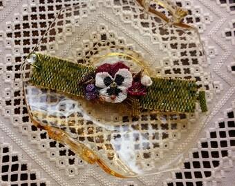 Beaded White Pansy Bracelet