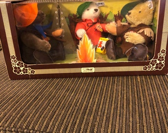 Steiff bear campfire trio set.