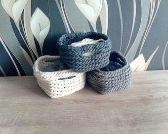 Woolen square basket