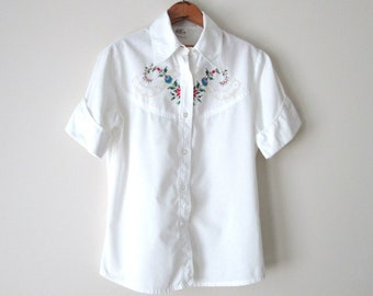 white blouse, short sleeve button down, embroidered blouse, vintage 70s 80s