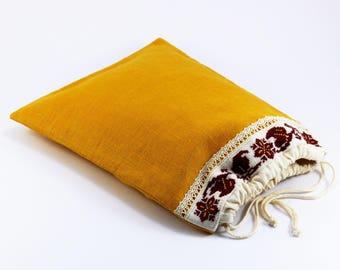 Pochon lin, broderie manuelle, doublure coton, fermeture à coulisse, motif au point de croix, pochon rangement, sac campagne chic