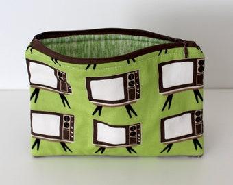 Retro TVs/Green Static Zipper Bag