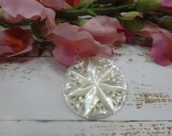 Vintage MOP pin/Mother of Pearl star/Vintage Mother of Pearl star/vintage brooch carved shell/vintage 7 points star carved brooch