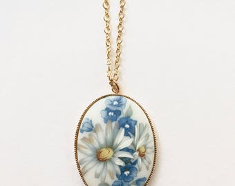 Vintage Daisy Cameo Necklace, Vintage Limoge Necklace