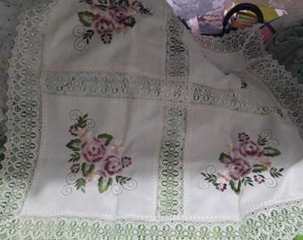 31 inch Vintage Hand Crochet linen Table cloth no 827